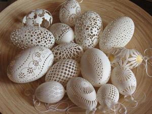 Странное хобби: резьба по яичной скорлупе