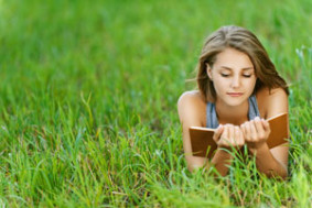 Быть грамотным — модно! Читайте книги и совершенствуйте свою грамотность.