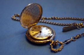 Время — деньги, но без знаний заработать деньги не получится.