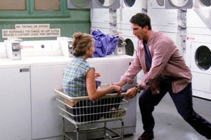 To wash one's dirty laundry/linen in public