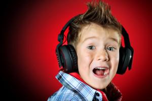 Аудиалы хорошо воспринимают информацию на слух.