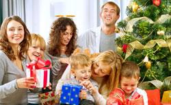 Встречайте зимние праздники вместе с дорогими сердцу людьми, тогда и весь год будет удачным.