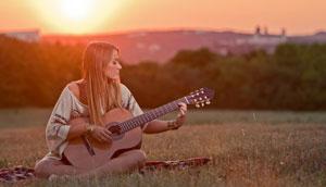 Что может быть интереснее, чем учить язык по песням?!