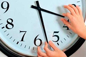 In the nick of time — как раз вовремя, точно в срок.
