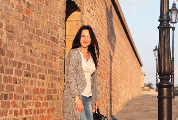Виктория учит английский для активных путешествий