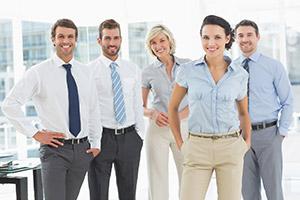 to wear the trousers/pants — быть главным в семье/отношениях; быть тем человеком, который принимает решения в семье/отношениях